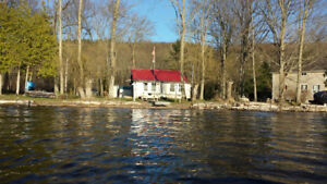 Waterfront Cottage with Boat Access to Trent Severn Waterways!
