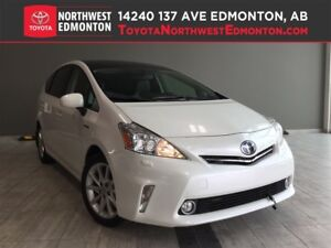 2014 Toyota Prius v Touring | Tech Pkg | Nav | Leather | Prk Ass