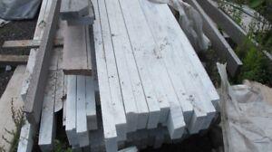 Briques, allèges châssis marbre et ganite et palette de bois