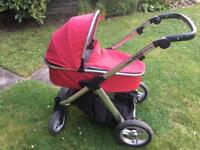 Oyster Max frame and carrycot