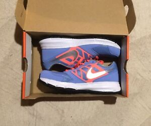 NIKE - Running Shoes (NEW)