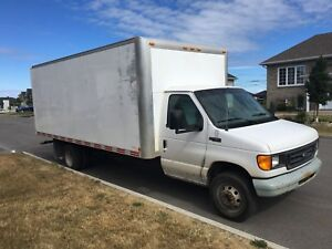 Ford E 450 2004  18' boite extra large