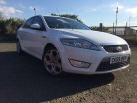 Ford mondeo titanium sport. White. Full mot