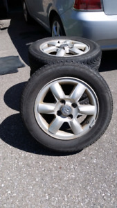 175 / 65 / R14 all season touring tires / Hyundai alloy rims
