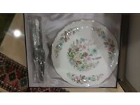 Aynsley serving plate and server