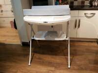 Baby changing and bath unit