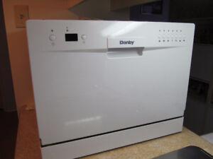 laveuse de vaisselle de comptoir danby blanc neuf pas utiliser