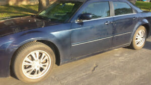2005 Chrysler 300-Series bleue Berline