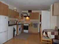 Double room to rent in good location available now