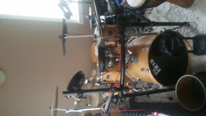Yamaha stage custom birch. And Roland v drums