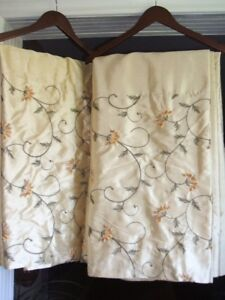 4 PANEL LUXURY DRAPES.LINED...view my other ads.