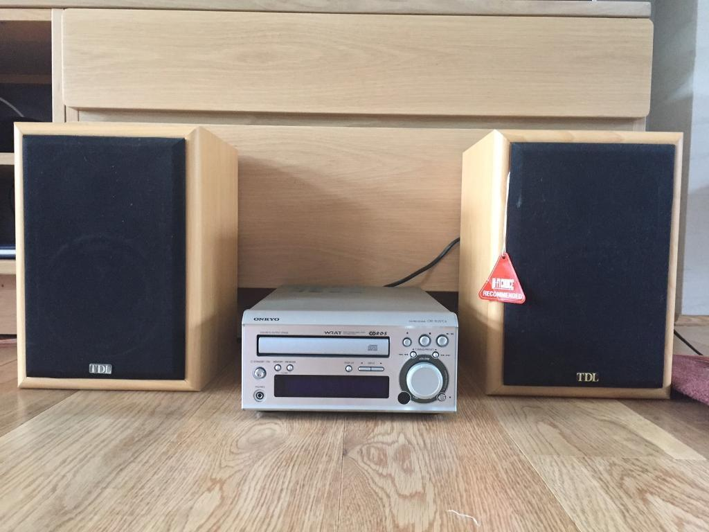 Mini Hifi System Pair Of TDL Nucleus 2 Bookshelf Speakers And Onkyo CD Receiver