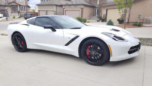 2014 Chevrolet Corvette Z51 Stingray Coupe 2LT pkg - 13,500KM's