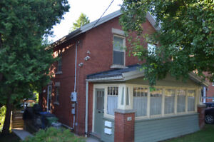 Beautiful 3 Bedroom Downtown home