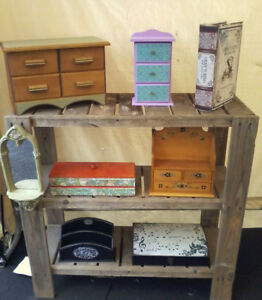 DECORATIVE WOOD BOXES FOR STORING ITEMS