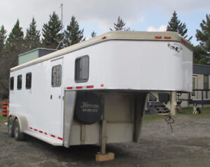 Used 2009 Hawk 3 Horse Slant