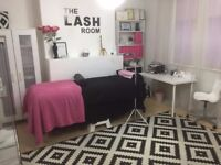 Large beauty room for rent in Town Centre - rare opportunity!