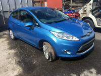 BREAKING - FORD FIESTA 2009-2012 - FRONT BUMPER - BLUE - ALL PARTS AVAILABLE