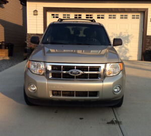2010 Ford Escape HTD Leather Seats / 2 way command start