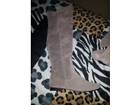 BRAND NEW! OVER THE KNEE GREY BOOTS SIZE 6