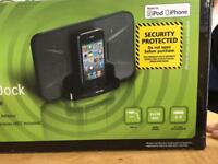 Travel docking station for iPod or iPhone 4