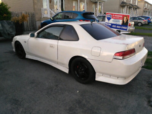 01 honda prelude si  safetied clean title low kms