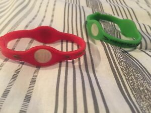 2 bracelets Power Balance Monster Energy