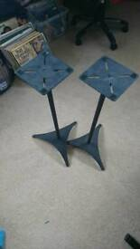 Speaker Stands - Durable high quality metal