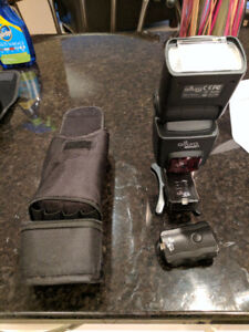 Altura flash for Canon camera