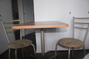 kitchen table w/2chairs