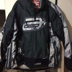 Motorcycle jacket size large Fits like an XL