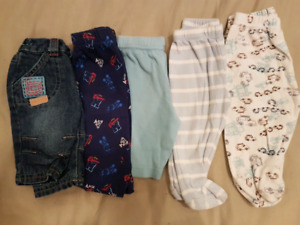 BOX OF BOYS CLOTHING (0-6 months)