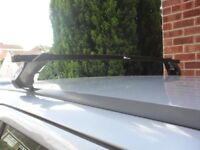 ROOF BARS FULLY ADJUSTABLE, 4 LOCKABLE FITTINGS WITH KEYS, FITS ZAFIRA & CARS WITH SIMILIAR FITTINGS