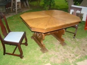 Large Dining Table in fair shape....no chairs