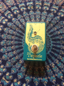 Earthquaker Devices Tentacle guitar pedal