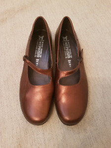 MEPHISTO Copper Mary Jane style shoes size 11
