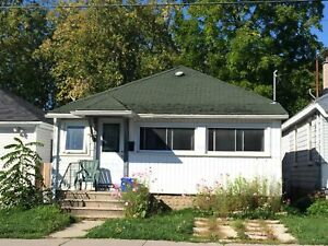 1 BDRM HOUSE WITH LOVELY YARD - 266 Patrick St