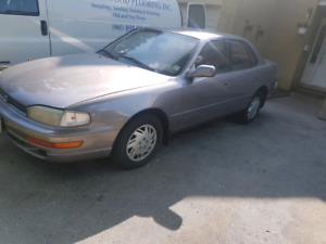 1992 Toyota Camry  ( Great for Winter Beater)