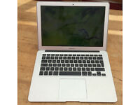 "Apple MacBook Air 13.3""1.6GHz core i5 8GB RAM 250gb (March,2015, Silver)"