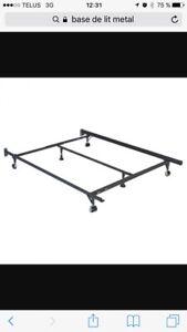 Base de lit en metal 54-60 po