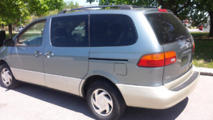 2000 TOYOTA SIENNA LE