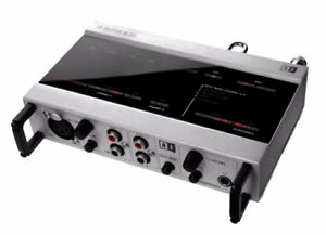 Native intrument audio 8 DJ Audio Interface