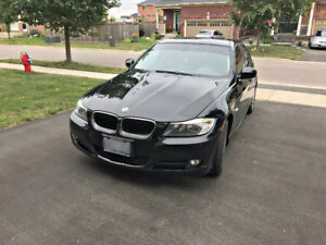 2009 BMW 323i   Low Kms   Sunroof   Bluetooth  Climate Control