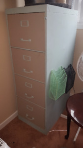 4-drawer filing cabinet, no key, legal size