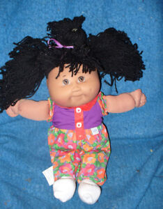 collection of Cabbage Patch kids dolls..1 seems to be still new