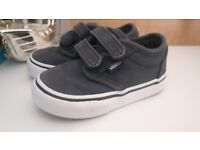 Size 4 toddler vans