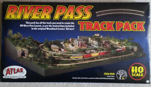 River Pass Track Pack (HO scale)