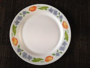 "Arcopal 12.5"" Dinner Plates (Total 8)."