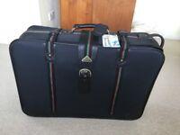 Suitcase set....... Consist of 3