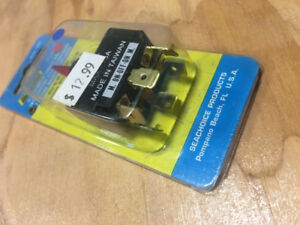 SEACHOICE ILLUMINATED TOGGLE SWITCH